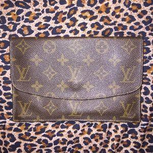 Louis Vuitton Monogram Clutch